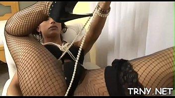 nekkad tamu rumah nge tuan tot Horny camgirl plays her tight pussy with dildo