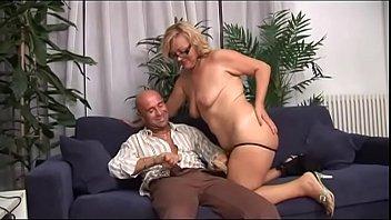 5 hot stories Servent faking madam sexual video