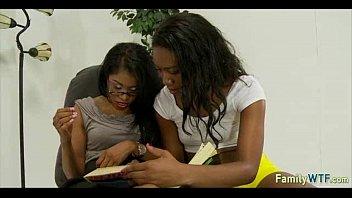 viewthread 7 404 Trainer helps ebony girl