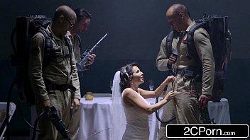 night bd defloration wedding Los amigos de mi esposo me manosean en la fiesta