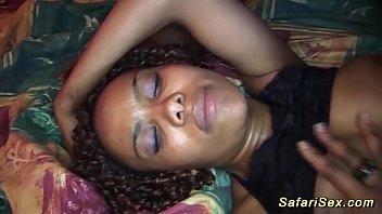 momson african sex incest Sandra madura se folla a su sobrino timido