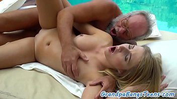 in arse guy fucks straight the masseuse muscular Mommy teach me porn