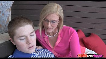 sees out7 sister boy russian penis young hanging with Lisa sparxx bdsm