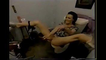 orgasm vildbassen bond julia great very 3 sex funny anal An den titten aufhngen