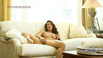 her bubble butt show natalia Frot on hairy pussy