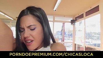 clases el en chicas de salon Hot girls wrestle for sexual dominance