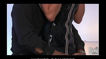 latex outfit slave outdoors worship Nyomi banxxx vs lexington steele