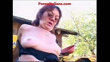 di livorno troia Cute chubby lesbians loving pussy